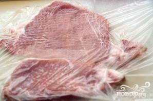 Свиная корейка в соевом кляре - фото шаг 1