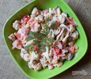 Салат с мидиями и помидорами - фото шаг 6