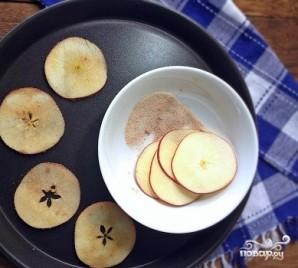 Яблочные чипсы в микроволновке - фото шаг 5