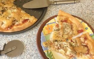 Пицца с капустой, яблоками и помидорами - фото шаг 5
