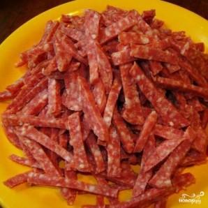 Салат с копченой колбасой - фото шаг 3