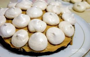 Бисквитный торт с безе и орехами - фото шаг 11