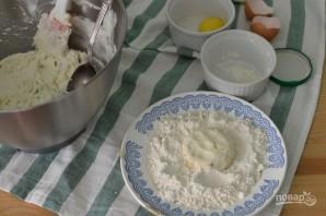 Сырники с изюмом и лимоном - фото шаг 5