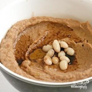 Соус из запеченного чеснока и фасоли - фото шаг 3
