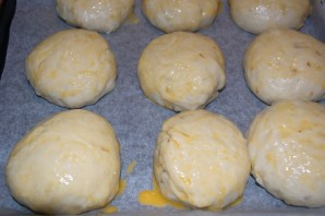 Булочки из дрожжевого теста в духовке - фото шаг 7
