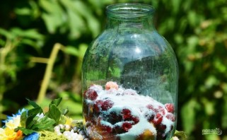 Компот из вишни и малины - фото шаг 3