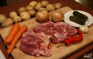 Картошка с мясом в чугунке в духовке - фото шаг 1