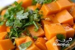 Тушеная морковь с луком - фото шаг 8