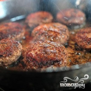 Бургеры с мясом, виски и халапеньо - фото шаг 2