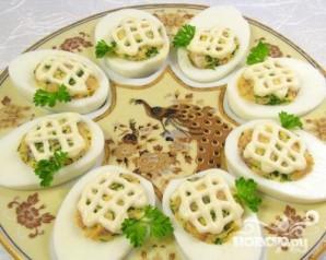 Фаршированные яйца - фото шаг 6