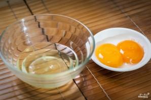Бутерброд с яйцом в микроволновке - фото шаг 1