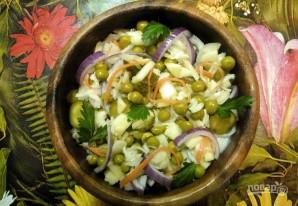 Салат из квашеной капусты и огурцов - фото шаг 4
