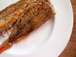 Жареная рыба с помидорами - фото шаг 3