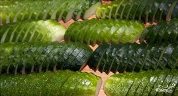 Салат из огурцов на зиму - фото шаг 2