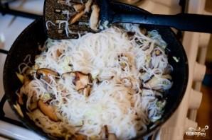 Рисовая лапша с грибами - фото шаг 3