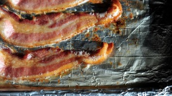 Бекон запеченный в духовке - фото шаг 4