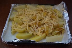 Картошка под сыром в духовке - фото шаг 5