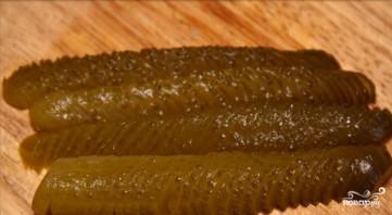 Салат с солеными огурцами - фото шаг 2
