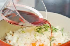 Говядина в вине с овощами - фото шаг 8