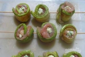 Рулетики из кабачков с яично-сырной начинкой - фото шаг 5
