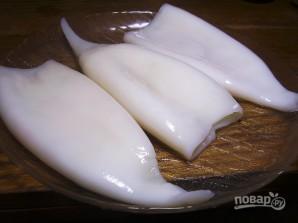 Салат из кальмаров с кукурузой - фото шаг 1