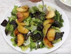 Салат с кус-кусом и жареными яблоками - фото шаг 4