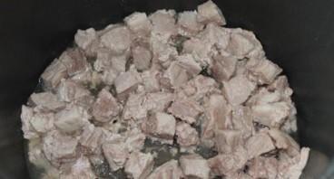Рожки с мясом в мультиварке - фото шаг 1
