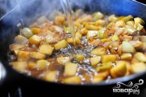 Кукурузный хлеб с колбасой и яблоками - фото шаг 5