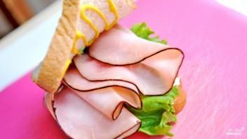 Бутерброд с ветчиной и помидорами - фото шаг 4