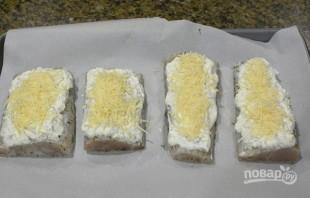 Треска под сметанным соусом в духовке - фото шаг 5