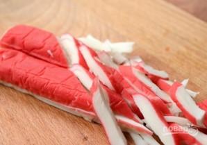 Салат из крабовых палочек с сыром - фото шаг 3