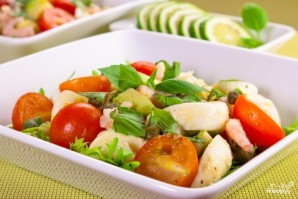Салат с моцареллой и креветками - фото шаг 3