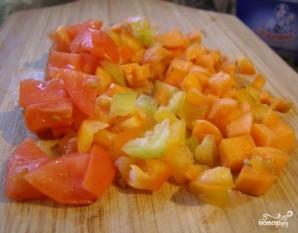 Кальмары, фаршированные рисом и овощами - фото шаг 3