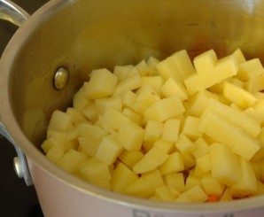 Суп из консервы скумбрии - фото шаг 2