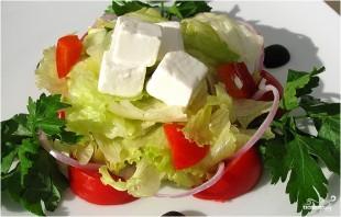 Греческий салат с адыгейским сыром - фото шаг 9