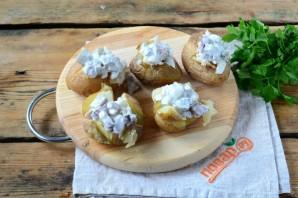 Печеный картофель с селедочным соусом - фото шаг 6