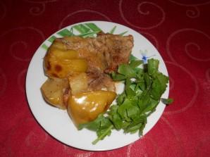 Мясо с яблоками в духовке - фото шаг 8