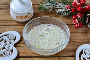 """Новогодний салат """"Селедка под снегом"""" - фото шаг 2"""