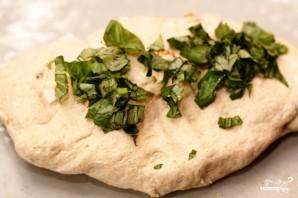 Домашний хлеб с орехами, базиликом и козьим сыром - фото шаг 7