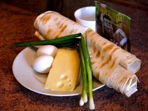 Лаваш с луком и сыром - фото шаг 1