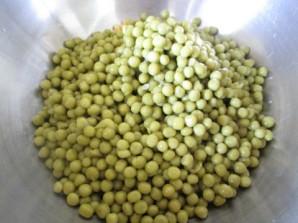 Простой салат с кукурузой - фото шаг 4