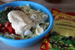 Салат с крабовыми палочками и перепелиными яйцами - фото шаг 3