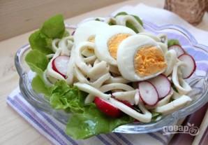 Простой рецепт салата с кальмарами - фото шаг 6