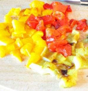 Фарш с перцем и помидорами - фото шаг 5