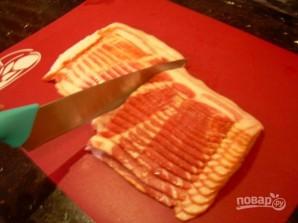 Колбаски в беконе - фото шаг 1