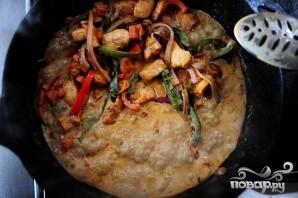 Феттучини с курицей, помидорами и болгарским перцем - фото шаг 7