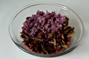 "Салат из фасоли ""Домашний"" - фото шаг 10"