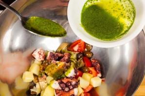 Салат с осьминогом - фото шаг 5
