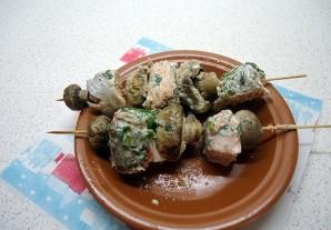 Канапе с грибами на шпажках - фото шаг 4
