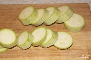 Кабачки с чесноком в духовке - фото шаг 2